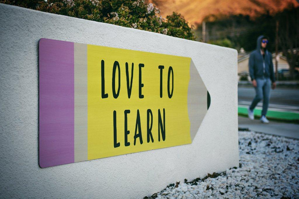 educacion-financiera-en-colegios-oviedo-asturias-rwb-diaphanum